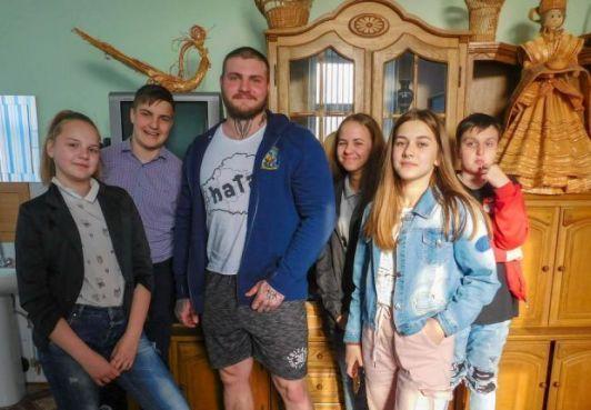 Гражданин КСБ Фёдор Менча провёл встречу с курсантами Школы выживания