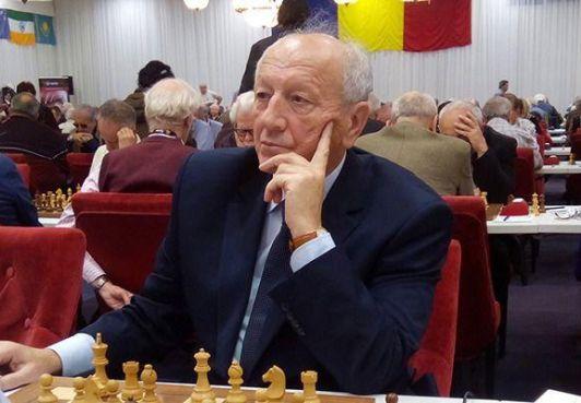 叶夫格尼•斯韦什尼科夫(Evgeniy Sveshnikov)北巴尔哈恩特王国的体育部长将参加世界老将象棋冠锦标赛